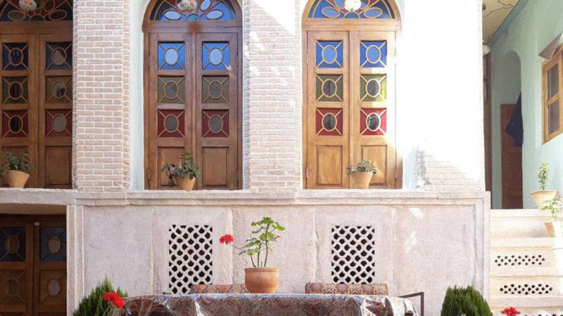 introduction to Shiraz Iran tourism - Shiraz tourist sites and guide shiraz souvenirs