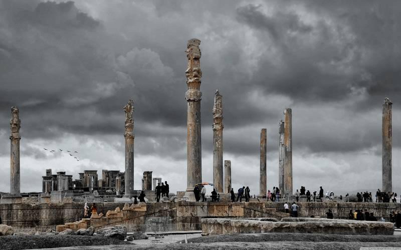 introduction to Shiraz Iran tourism - Shiraz tourist sites and guide persepolis
